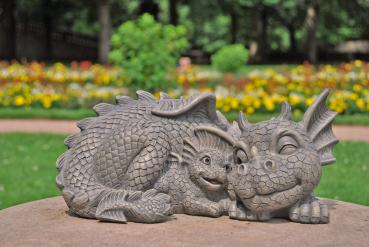Gartenfigur Gartendrache - Modell Mutterliebe - Fantasy Figur Deko Drache Garten