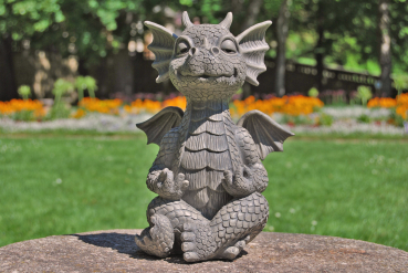 Gartenfigur Gartendrache - Modell Yoga - Fantasy Figur Deko Drache Gartendeko