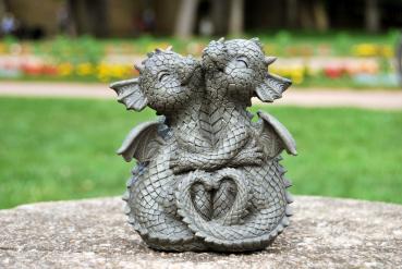 Gartenfigur Gartendrache - Modell kuschelnd klein - Fantasy Figur Deko Drache Garten