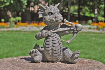 Gartenfigur Gartendrache - Modell Amor - Fantasy Figur Deko Drache Gartendeko