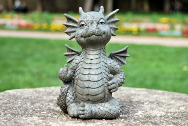 Gartenfigur Gartendrache - Modell Mittelfinger klein - Fantasy Figur Deko Drache