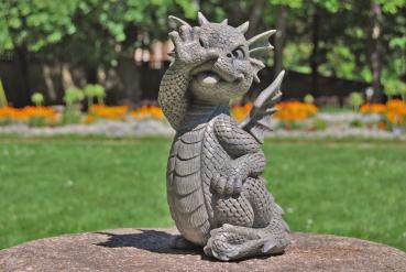 Gartenfigur Gartendrache - Modell Flitzpiepe - Fantasy Figur Deko Drache Garten