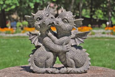 Gartenfigur Gartendrache - Modell Liebespaar - Fantasy Figur Deko Drache Garten